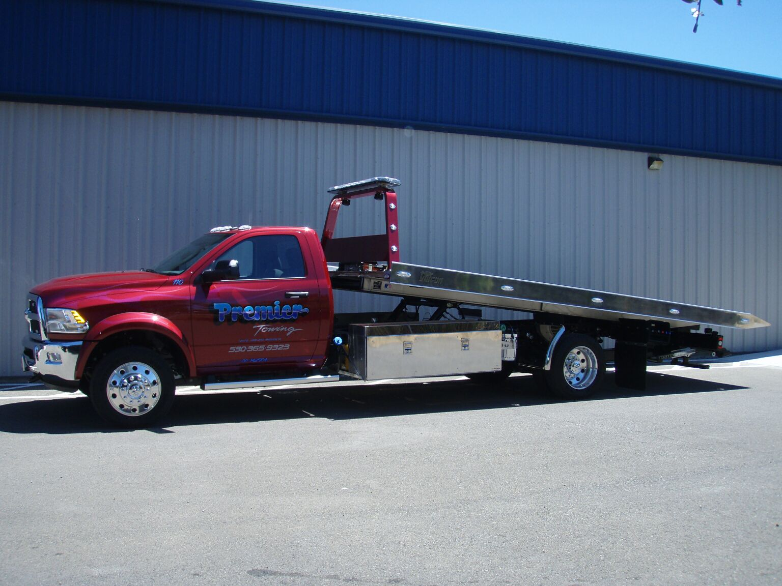 Dodge Flatbed - Towing services available all types of vehicles.